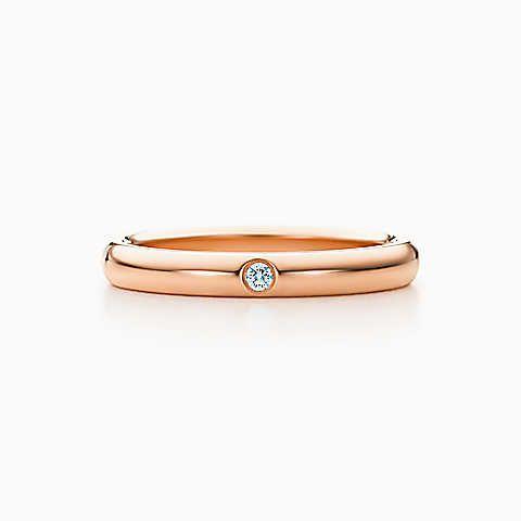 Elsa Peretti® Bandring mit einem Diamanten in 18 kt. Roségold, 3mm breit.