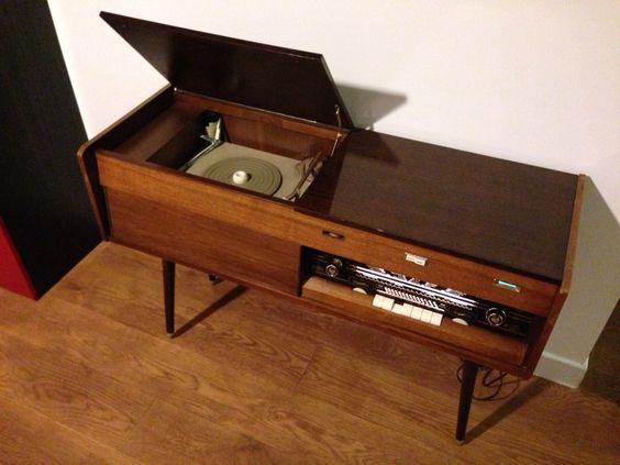 meuble radio tourne disque des ann es 50 stereo meuble musique pinterest radios. Black Bedroom Furniture Sets. Home Design Ideas