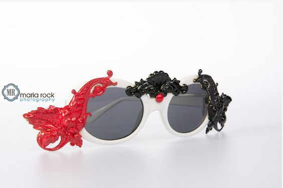 Mercura NYC pod and squiggle baroque sunnies photographed by Maria Rock for Stylish Maven SMTV