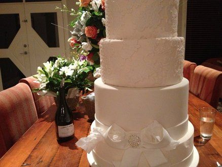 Wedding Cake  Cake by Dell Khalil