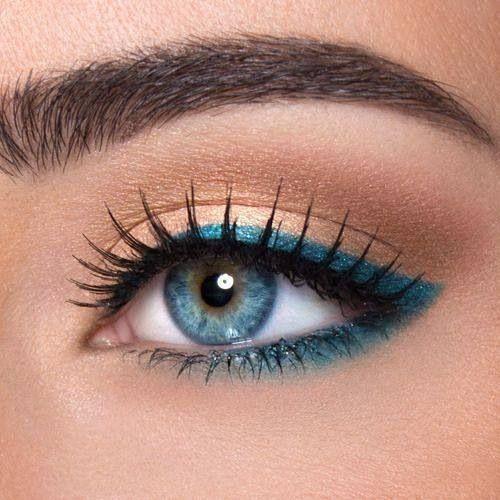 Peacock eyeliner blue eyes make up