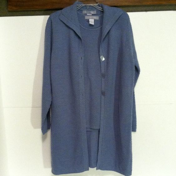 MODERN SOUL SWEATER SIZE MEDIUM Blue sleeveless sweater with a long blue cardigan.  Sweater has collar and three buttons in front.  Excellent condition. Size med. Beautiful sweater set MODERN SOUL Sweaters Cardigans