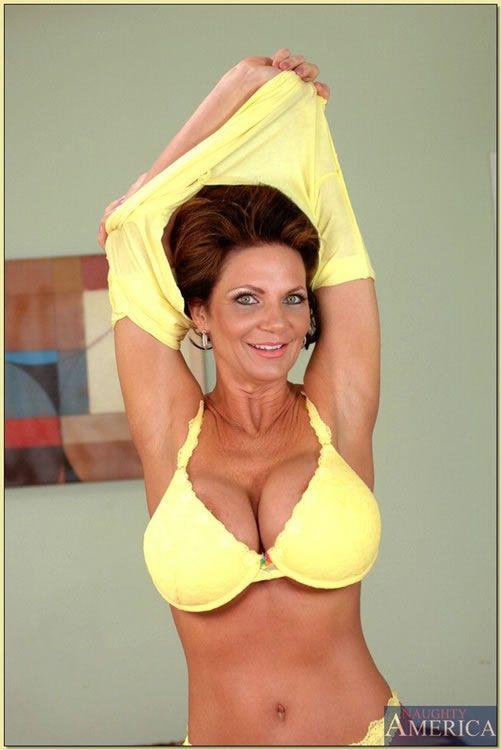 Porn Mrs Deauxma 54