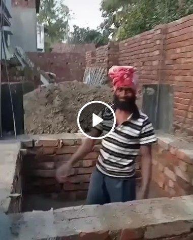 De onde saem esses tijolos, e como ele consegue pegá-los?