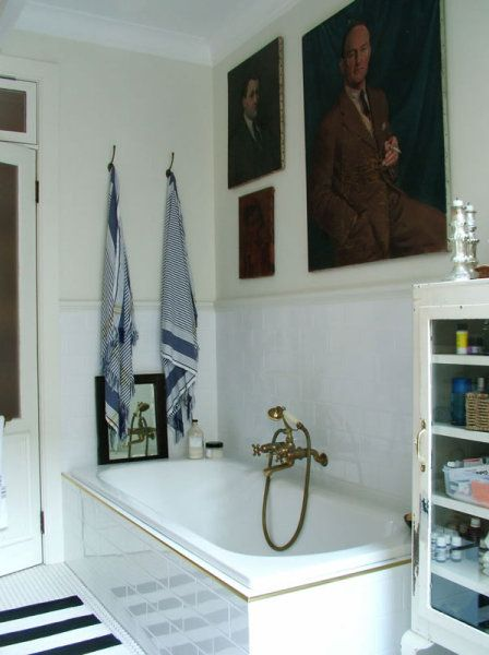 towel hooks, art work, tap, cabinet http://anakral.blogspot.com/
