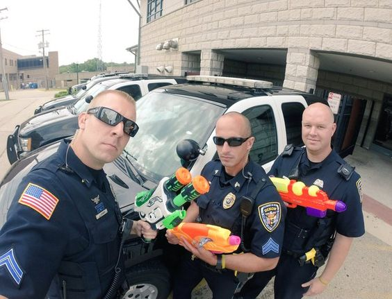 23 εντυπωσιακές φωτογραφίες που δείχνουν πόσο αστεία μπορεί να είναι η αστυνομία (Μέρος 2ο)