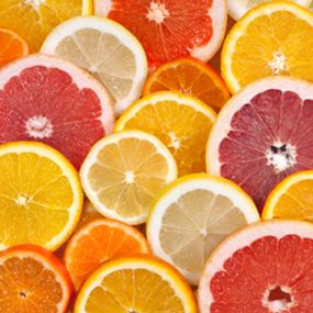 10 #Diabetes #Superfoods - #Citrus The pulpiness of oranges and grapefruit provide a great source of fiber. Eat the whole fruit rather than drink the juice for the maximum benefit of fiber and vitamin C. According to Harvard Medical School, the average orange has a GI score of only 40. Other citrus fruits, such as the grapefruit, have even lower GI scores: a 120-gram grapefruit GI score is a rock-bottom 25.