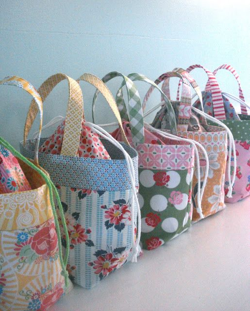 Lunch bags using 5 coordinating fat quarters: