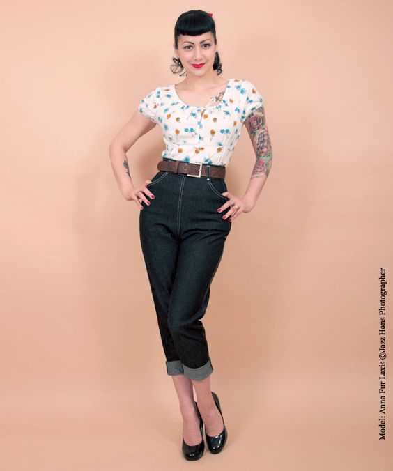 Our fabulous 1950s jeans are great for work, rest and play! Team with one of our Rio tops and western belt for a relaxed pin-up look!