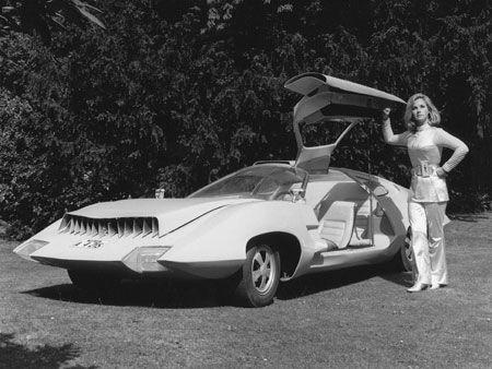 Col. Virginia Lake (Wanda Ventham) of the TV series UFO