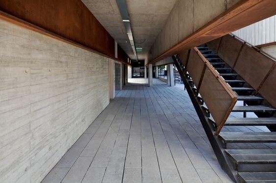 Escuela de Diseño e Instituto de Estudios Urbanos P. Universidad Católica de Chile / Sebastián Irarrázaval