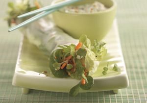 Spring Rolls with Dipping Sauce -- a perfect Mrs. Dash recipe - mrsdash.com #saltsubstitute #nosalt #healthy