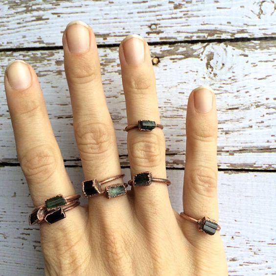 Grüner Turmalin Ring  Grüner Turmalin Kristall Ring  von HAWKHOUSE