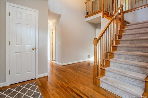 Photo Of 12 Sidney Way Simsbury Ct 06070 Renting A House Home Find Homes For Sale
