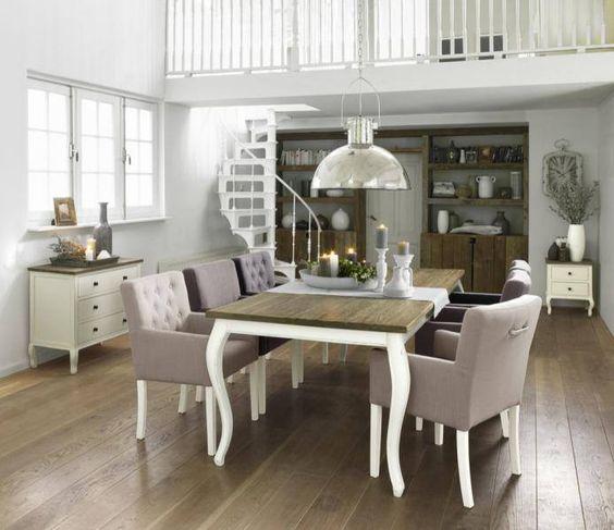 Ruime eethoek waarbij witte accenten steeds terugkomen | Rofra Home #eethoek #interieur #inspiratie #wooninspiratie #styling #Rofrahome