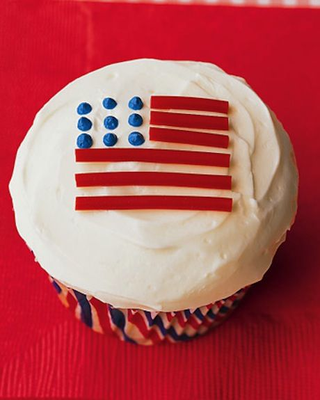 Memorial Day Cuppy Cupcakes- Once again, I have friends who could make these! ;)