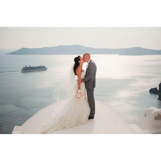 Until the end...! #Wedding #Santorini #Love #Romance Photo credits: @overseas_wedding_insider