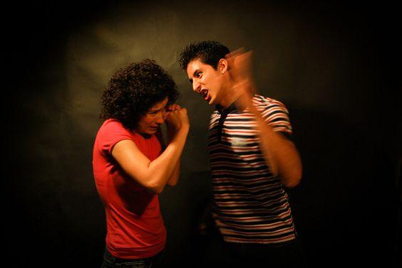Isto non é amor: como detectar os malos tratos nunha relación adolescente ~ Orientación en Galicia