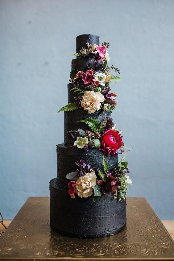 Offbeat Black Color Wedding Theme Ideas For Your Winter Wedding!!!, 535fcaca34e256631a5ae00ca20260ca