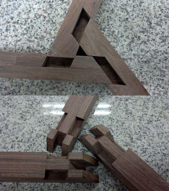 Amazing Woodworking: 3-way Wheel Joint. Wow! Amazing Joinery!