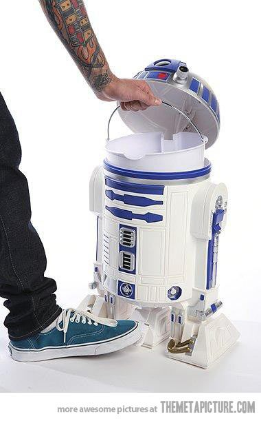 R2D2 Trash Can: not into star wars but this rocks LOL