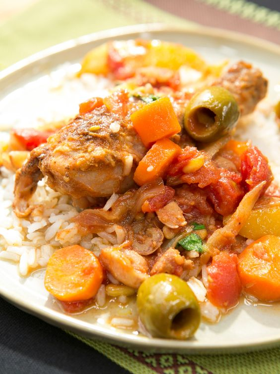 Braised chicken with dates lemon and pine nuts receta pino braised chicken with dates lemon and pine nuts recipe from geoffrey zakarian via food network forumfinder Images