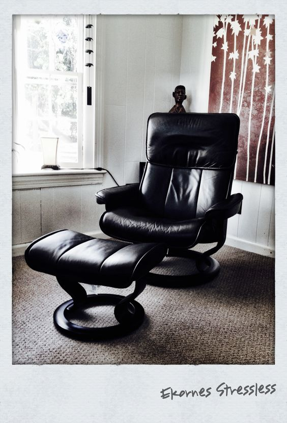 Ekornes Stressless Admiral Leather Recliner And Ottoman.