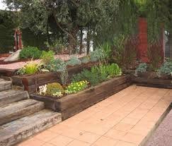 Patios en desnivel fotos buscar con google patios - Jardines en desnivel ...