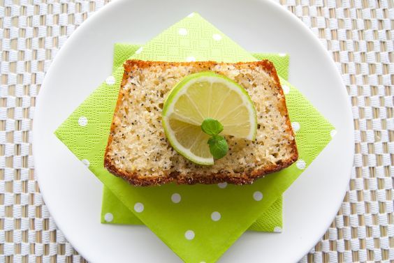 Limones (Yogurt, lime and poppy seeds loaf)