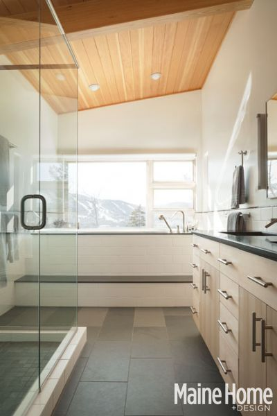 Modern on the Mountain/ bathroom
