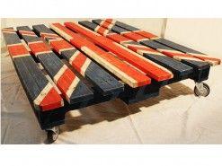 Mesa reciclada de la colección Artilujos.com Mesa flag >> http://artilujos.com/shop/caprichos/mesa-bandera/  #Mueblesreciclados #deco #upcycling #diseño