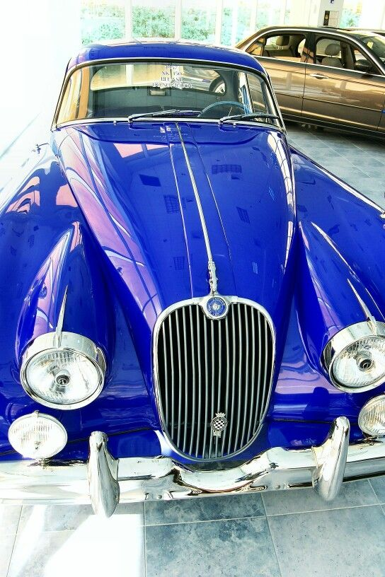 XK150 in royal blue