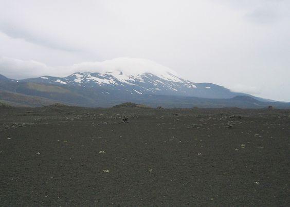 Isländischer Vulkan kurz vor Ausbruch?  von Falk Werner · http://reisefm.de/tourismus/hekla-ausbruch/ · Der aktivste Vulkan Islands, die Hekla, steht möglicherweise vor einem Ausbruch. Die Magmakammern seien fast vollständig gefüllt.