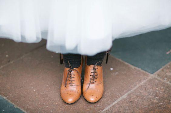 #vintage #pumps #bruidsschoenen #vintage #bruidsschoenen #trouwschoenen #bruiloft #trouwen #bruiloft #inspiratie #wedding #bridal #shoes #heels #inspiration | Photography: Carina + David Photography | ThePerfectWedding.nl