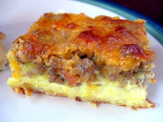 A gluten-free low carb breakfast casserole recipe with sausage and cheese - just 6 ingredients! This keto sausage, egg and cheese casserole without bread is easy to customize with vegetables, too.