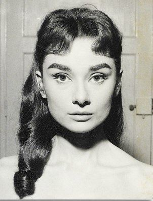 This Pin Was Discovered By Classic Movie Hub Discover And Save Your Own Pins On Pinterest Young Audrey Hepburn Audrey Hepburn Hair Audrey Hepburn Makeup