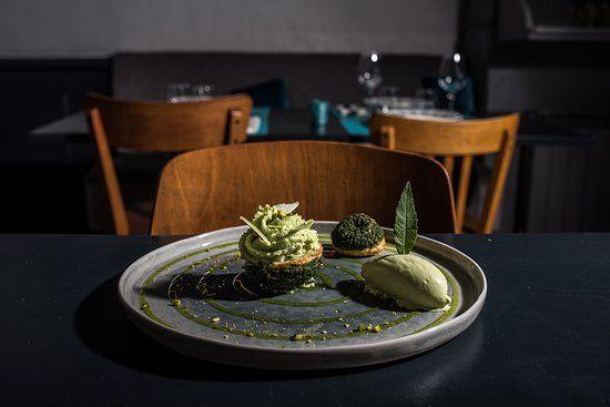 Le Petit Boucot Nantes Graslin Commerce Restaurant Avis Numero De Telephone Photos Tripadvisor En 2020 Presentation Des Plats Restaurant Vin De Loire