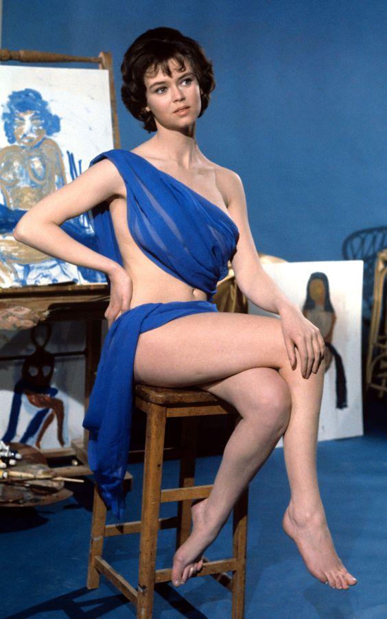 Gabrielle Drake Nude Photos 45