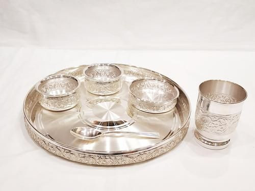 Buy Pure Silver Dinner Set Plate Online India Silver Plate Silverstore In In 2020 Silver Pooja Items Silver Accessories Silver Gifts