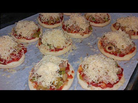 ميني بيتزا لفطور رمضان بعجينة نيدو الهشة سهلة وسريعة التحضير Youtube Breakfast Food Muffin
