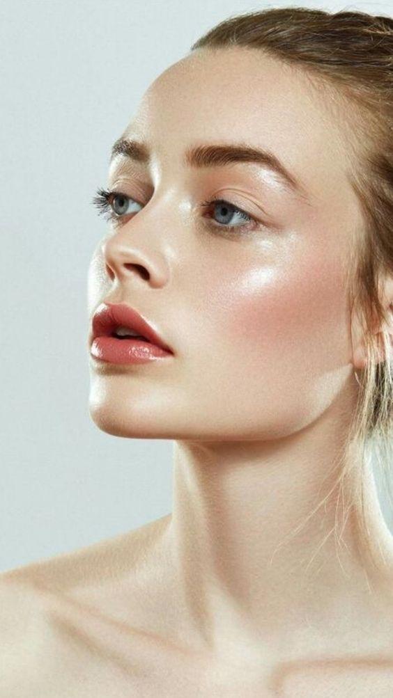 Les 25 Meilleurs Rouges à Lèvres à Adopter Cet Eté