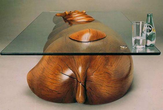 Originales mesas que crean la ilusión de animales en el agua