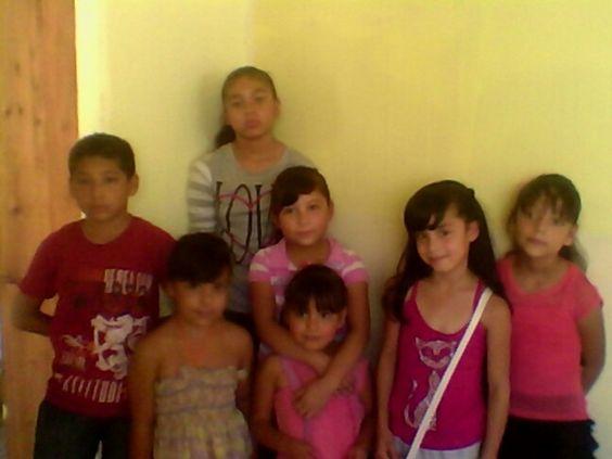 Mis hermosas y mi niño en su clase gracias a Dios que estuvieron dispuestos este dia Bendiceles Señor 7/09/14