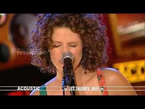 Mulher linda, música boa, em Francês...isso é real??