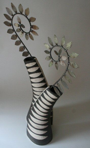 Ceramic Sculpture Kirsteen Holuj - Buckinghamshire . . . coould be a totem . . .