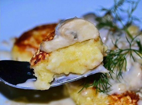 Potato Patties With Mushroom Sauce Recipe - http://easy-lunch-recipes.com/potato-patties-with-mushroom-sauce/