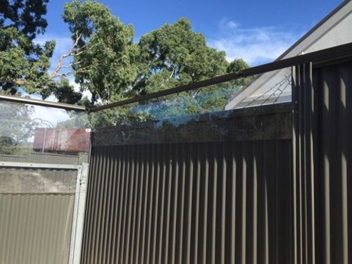 Use Polycarbonate To Extend Your Fence Height For Your Oscillot