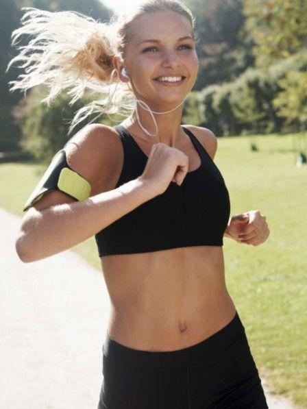Sie wollen ein gezieltes Lauftraining über eine Mittelstrecke, um bei einem Wettkampf teilzunehmen? Halten Sie sich an diesen Plan.