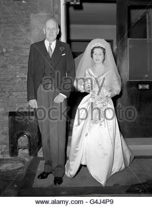 Aristocracy - Weddings - Peter Somervell and Diana Cinderella Bowes-Lyon - London - Stock Photo
