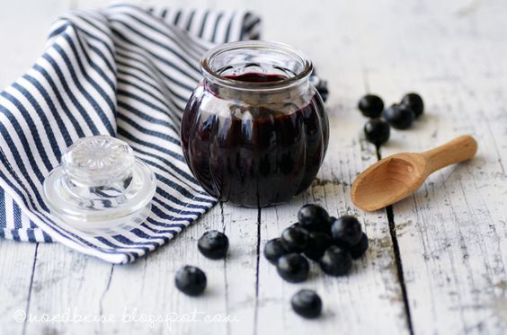 blueberry compote {recipe} ... journey through the alphabet: G ... english translation on the blog